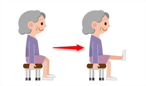 椅子に座った状態で筋トレ